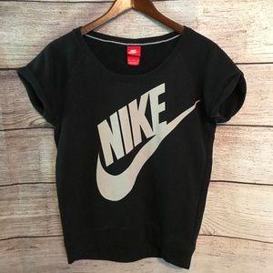 Nike Size Med Rally Short Sleeve Sweatshirt
